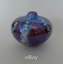 A signed Siddy Langley art glass vase