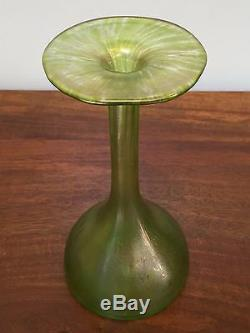 ART NOUVEAU Green Iridescent ART GLASS 8 Trumpet Vase