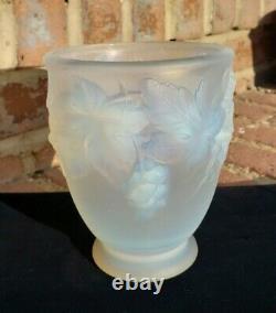 Antique Art Deco Etling France White Opalescent Glass Vase ca. 1920 Grapes RARE