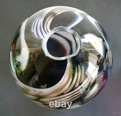 Eva Englund Graal Swan Vase 1986. Orrefors. Swedish Art Glass
