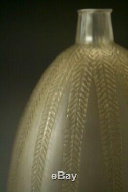 RENE LALIQUE ART DECO GLASS VASE MIMOSA circa 1921
