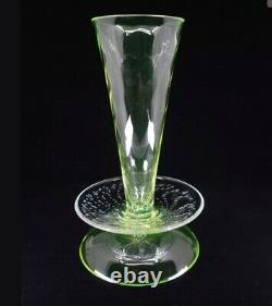 Rare SIGNED BOREK SIPEK AJETO URANIUM WRYTHEN BUBBLES CZECH ART GLASS VASE TAZZA