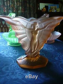 Walther Art Deco Glass Smetterling Vase in Pink with frog