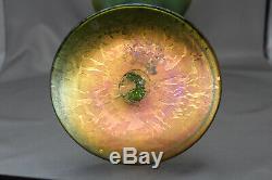 Antique Art Nouveau Vase En Verre Irisé Vert Vers La Fin Des Années 1890 À Début Des Années 1900