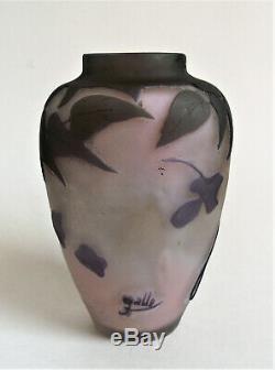 Antique Emile Galle 4 5/8 Wisteria Français Cameo Art Nouveau Vase En Verre Cabinet