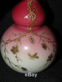 Antique Webb Peachblow Gold Enameled Art De Verre Vase Avec Les Insectes Fleurs