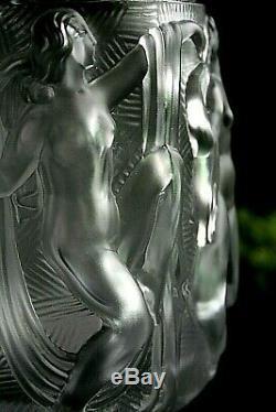 Art Déco Bacchantes Vase En Verre Avec Des Figures De Nu Dames Après Le Bain