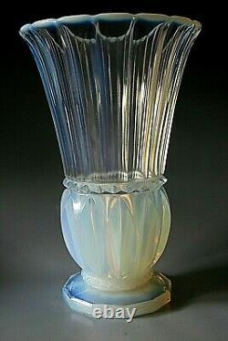 Art Déco Pierre D'avesn Vase En Verre Opalescent