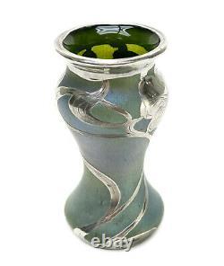 Autrichien Vert Iridescent Art Glass Sterling Silver Superposition Vase, Art Nouveau
