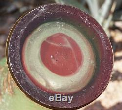 Baccarat Vase Camée Rouge Framboise Sculpté, Couché Et Doré Art Nouveau