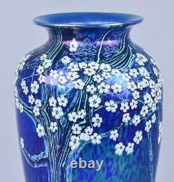 Beau Orient Et Flume Tôt Xlarge Art Verre Irisé Vase Signé Et Daté