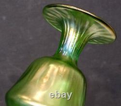 C'est Pas Vrai! Antique Vintage Art Nouveau Verre Vert Iridescent Vase / Loetz Kralik