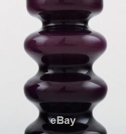 Collection De Verre D'art Suédois, 7 Vases Violet Dans Un Design Moderne