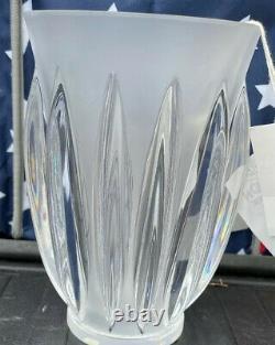 Courchevel Art Deco Vase Lalique Produit #12274 Signé Et Excellent État