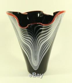 Dan Bergsma Chihuly Studio Art Glass Tirée Plume Noir Blanc Rouge À Lèvres Vase