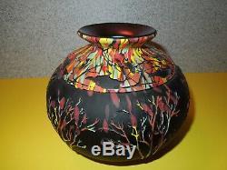Fenton Art Arbres En Verre Sur Vase Mosaïque Noire # 9/75 Par Kelsey Murphy Et Bomkamp