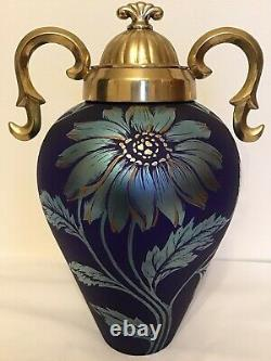 Fenton Art Glass Limited Edition Favrene Sand Sculpté Vase Daisy Avec Métal LID