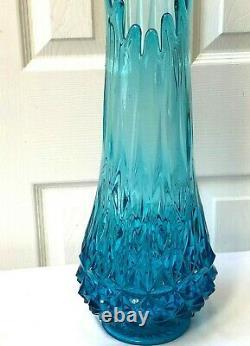 L E Smith Art Glass 24 Vase Bleu Turquoise Swung Stretch Retro MID Century Mod