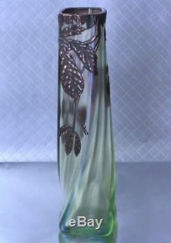 Loetz Art Vase En Verre Montage Bronze Twist Iridescent Forme Carrée