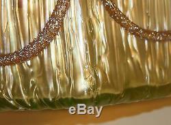 Loetz Tchèque Bohême Or Irisé Empire Art Glass Swag Vase Sur Texas Terrain