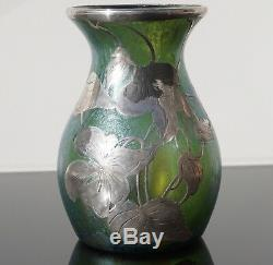 Loetz Veuve Creta Papillon Iridescent Vase En Verre Avec De L'argent Overlay Art Nouveau
