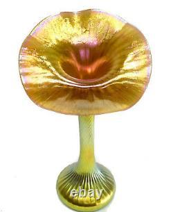 Lundberg Studio Art Glass Gold Iridescent Jack Dans Pulpit Vase. Numéro 091804