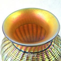 Lundberg Studios 1999 Enregistrez-vous Or Irisé Aurene Art Glass Vase 5 1 / 8h Contemp