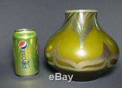 Mystère Iridescent Art Glass Vase Tiffany Studios Steuben Quezal Nash Kew Blas