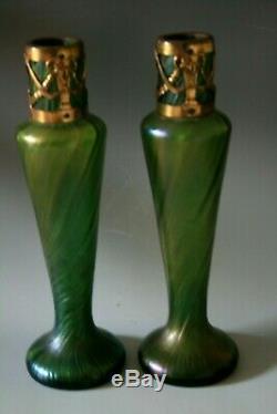 Paire Antique Art Nouveau Verre Vases Avec Pochettes De Protection En Métal Peut-être Loetz, C. 1910