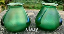 Paire De Vases De Verre Vert Irisé Art Nouveau Loetz
