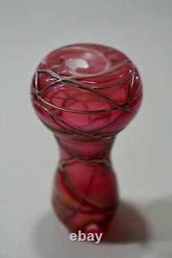 Pallme-koenig Autriche Art Nouveau Art Verre Canneberge Iridescent Vase Fileté