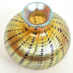 Premier Vase En Verre D'art Lundberg Studio Iridescent Aurene Signé Daté De 1977