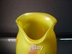 Rare Vase En Verre À Motif À Bords Sertis Métallisé Jaune Poldomen De Loetz Art Glass
