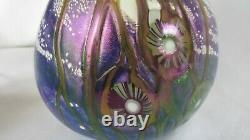 Robert Eickholt Vase D'art Blown À La Main En Verre Signé 2003 Iridescent Pourpre Fleur