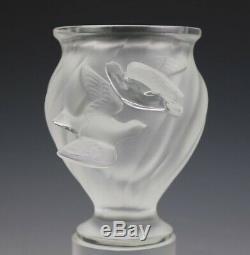 Signé En France Lalique Cristal Rosine Oiseaux Givrés Slanted Rib Art Glass Vase