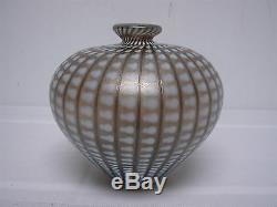 Signé Kosta Boda W Vase En Verre Art Dots Iridescent Signé Bertil Vallien 48437