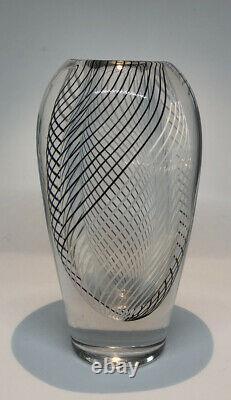 Signé Vicke Lindstrand Kosta Boda Vase Stripes Glass Sweden