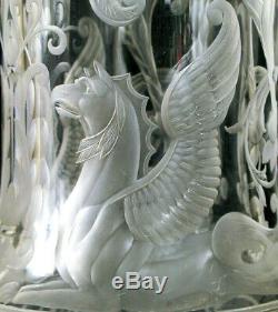 Superbe Cuivre Antique Gravé Art Glass Vase Exquis Griffin Flower Détails