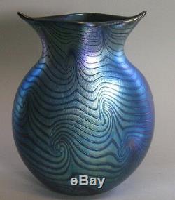 Superbe & Énorme Vase Bohémien Art Nouveau Art Nouveau En Verre Irisé Du Roi King Tut