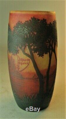 Superbe Signé Daum Nancy Scenic Cameo Art Nouveau Vase En Verre C. 1900 Antique