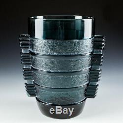 Un Vase Art Deco Par D'avesn Pour Daum C1935