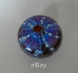 Un Vase En Verre Signé Art Siddy Langley