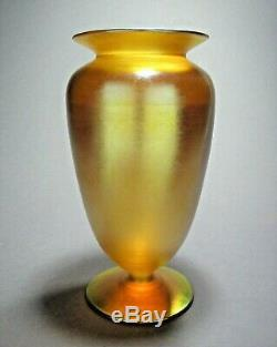 Vase Antique Avec Pieds En Verre D'art Quezal Signé V. 1902-24 Époque Tiffany Steuben Durand