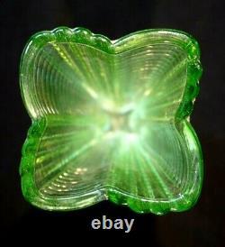 Vase Art Déco En Verre D'uranium