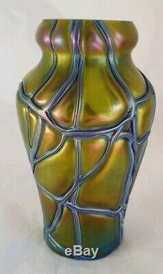 Vase En Verre De Bohème Irisé. Période Art Nouveau. Par Pallme & Habel König