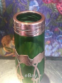 Vase En Verre Vert Sécessionniste Art Nouveau Avec Superposition De Cuivre