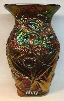 Vase Noir Noir De Carnaval De Verre De Fenton Avec La Conception Augmentée D'orchidée