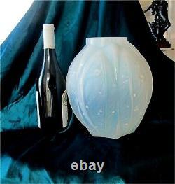 Verlys Art-deco Vase En Verre Opalescente France Des Années 1920