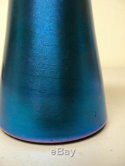 Victor Durand # 1713 Bleu Irisé Art Glass 7 Cabinet Vase, Signée