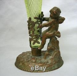 Victorienne Chérubin Ange Bronze Et Vaseline Opalescent Art Glass Vase Épergne